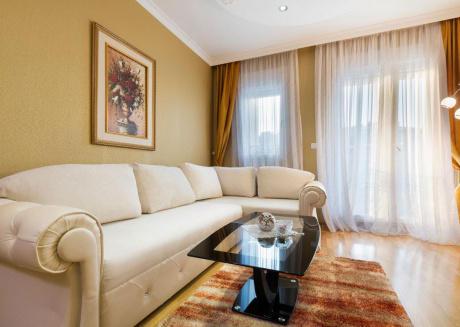 Apartment S6