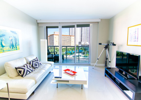 O. Reserve Premium | 1 Bed 1 Bath, Steps away from the Beach!