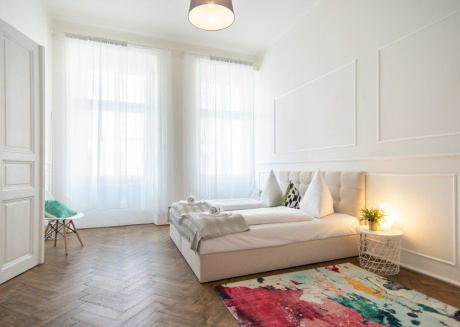 Bright and Spacious Apartment in Popular Prague's Neighbourhood by easyBNB