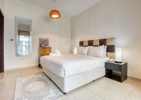 2204, The Residences 8