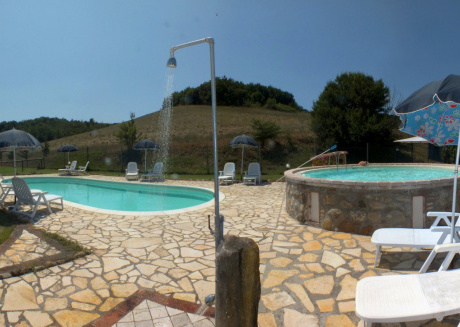 Tuscan Countryhouse with Two-bedroom Apartment at ground floor with swimmingpool