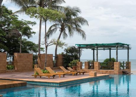 Hua Hin Private & Luxury Condo By The Ocean