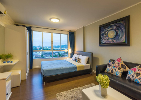 Hua Hin Luxury Studio by the Ocean 1