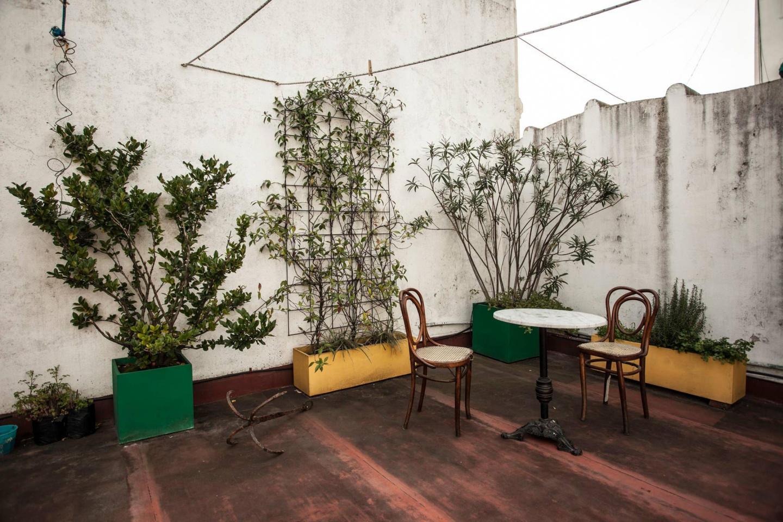 Charming Service Quarters In Mansion In San Telmo Slide-8