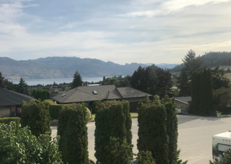Beautiful Rodee Homestay -west Kelowna