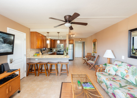 KONA PACIFIC A102, No stairs, Ocean View, WALK TO TOWN! Elevators, AC!!