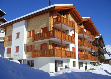 Nice chalet on a sunny and car-free plateau on the Bettmeralp in Valais.