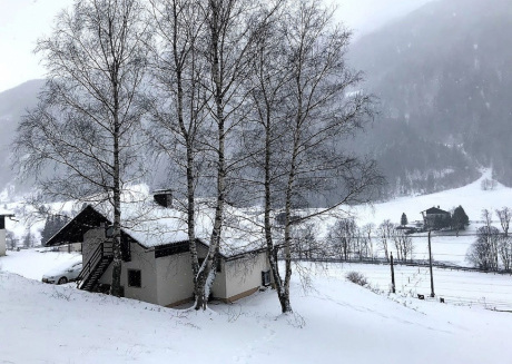 Authentic Austrian hunting lodge with an enormous garden and forest