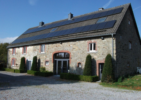 Large rustique house, well-kept rooms with leisure facilities including a sauna