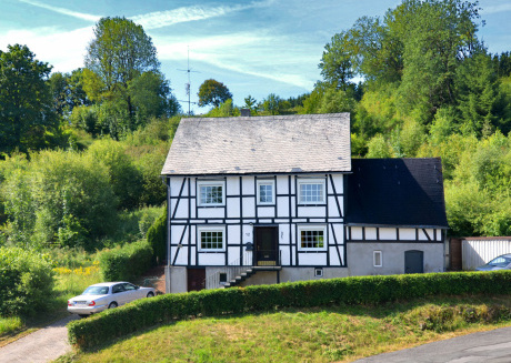Spacious House Near Winterberg With Barbecue