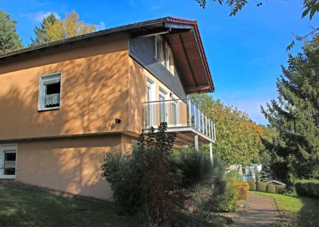 Beautiful Holiday Home in Schwarzhausen near Forest