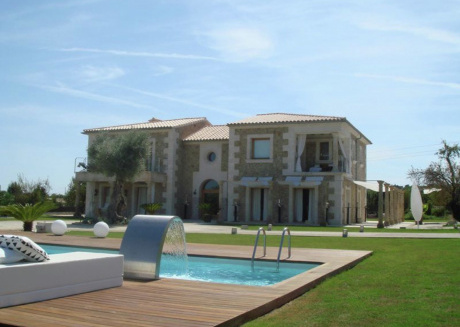 Quaint Mansion with Private Pool and Jacuzzi in Selva