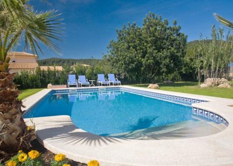 Quaint Villa with Jacuzzi in Sa Pobla