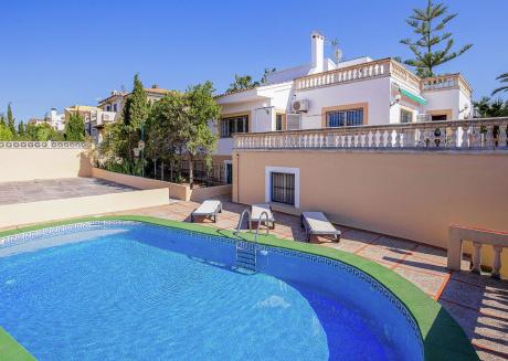 Spacious Villa in Badia Blava with Swimming Pool