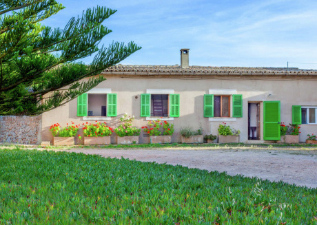 Classic Cottage in Campos Majorca with Swimming Pool