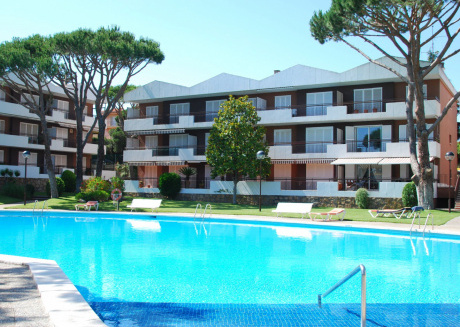 Cozy Apartment in Calella de Palafrugell with Swimming Pool