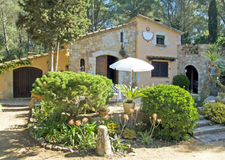 Cozy Mansion in Palafrugell by the beach