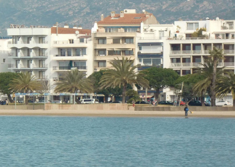 Superb Apartment in Roses Spain, 50 m from Beach