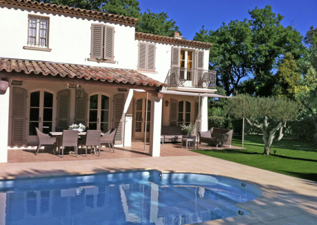 Mediterranean luxury villa with private pool 1 km from the sea and Saint Tropez