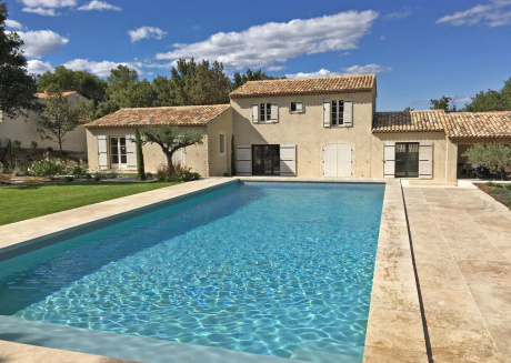 Beautiful villa with air conditioning, large private swimming pool and near St. Remy-de-Provence
