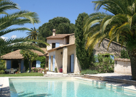 Lovely villa near ively Vence (Côte d'Azur), only 12 km from the beach.