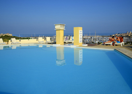 Fine apartments close to the sea and the charming historical town of Antibes