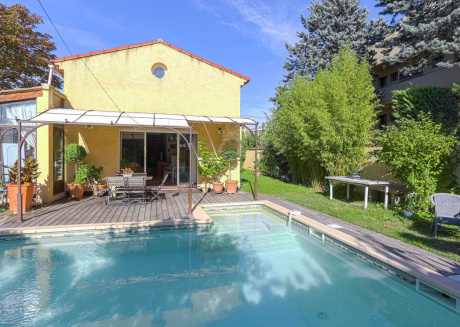 Tastefully decorated house with garden and pool in Aix-en-Provence