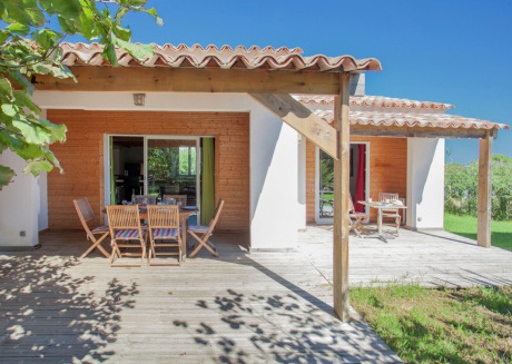 Holiday home 150m from the beach in Corsica