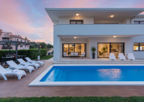 Luxurious Villa in Porec Istria with Swimming Pool