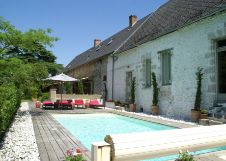 Magnificent villa with pool in historic area of \u200b\u200bSaint-Péravy la Colombe