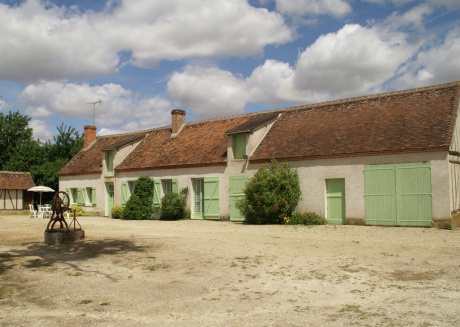 Holiday home with large garden and private lake in the lovely surroundings of Beauchamps