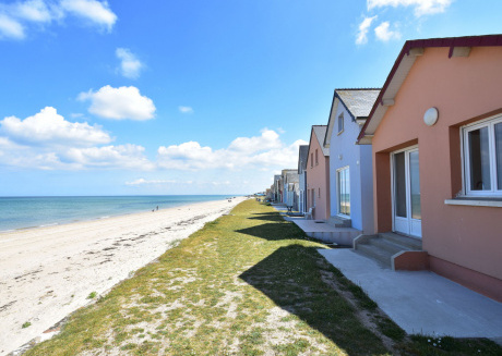 Directly by the sea! Beach house with 2 bedrooms, courtyard and BBQ