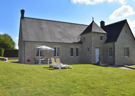 Rurally located holiday home with large garden and barbecue near Utah Beach