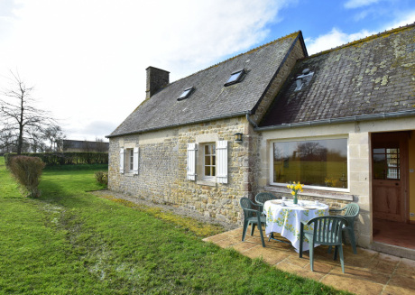 Cozy gite for those who love peace, nature & birds, centrally located in the Manche
