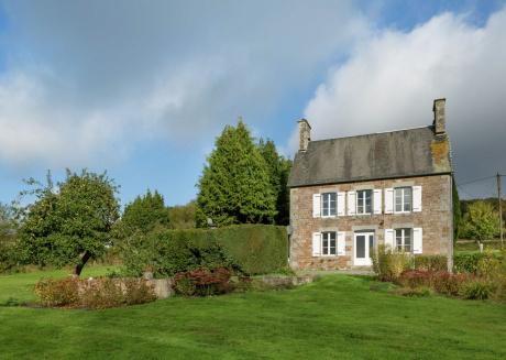 Charming Cottage in La Lande-d'Airou
