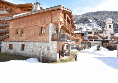 Lake View Chalet in Tignes near Ski Area