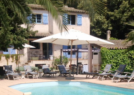 Villa with guest accommodation and heated pool in Sainte Maxime