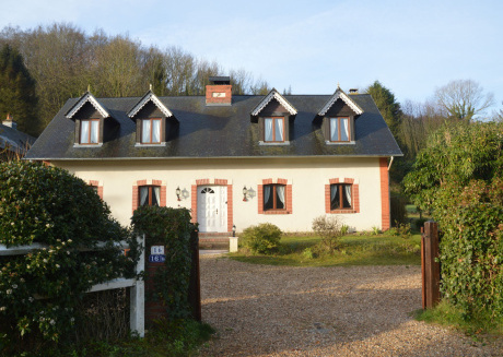Holiday home, green surroundings, near the seaside town of Etretat, free parking