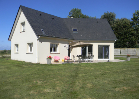 Quaint Holiday Home with a Sea View in Étretat