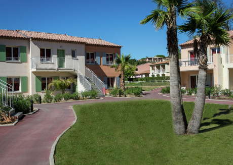 Attractive and beautiful holiday park on the bay of Saint Tropez