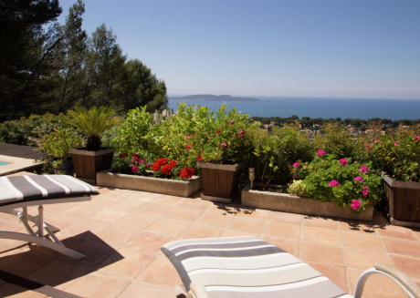 Secluded Villa in Hyères with a Sea View