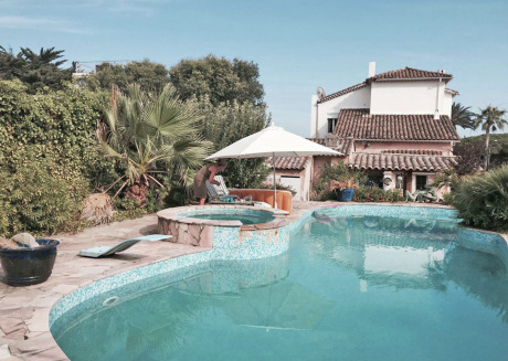 Characteristic villa from 1900 with private pool, walking distance from the Mediterranean Sea