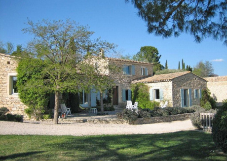 Country-side Villa in Gordes with Swimming Pool