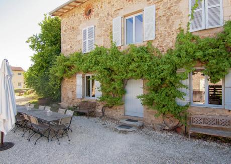 spacious, detached Holiday Home in Saint-Léonard-de-Noblat
