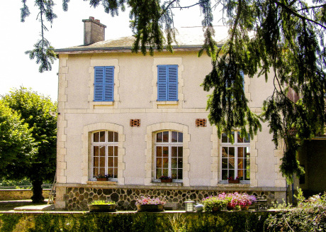 Vintage holiday home in Limousin with dual terarce