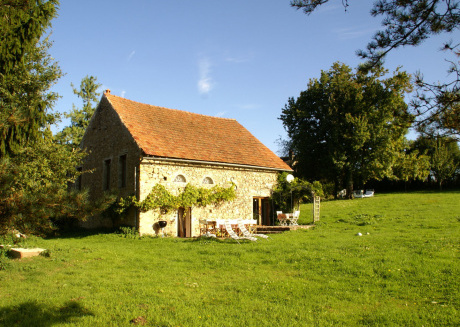 Cozy Holiday Home in Saint-Germain-des-Champs with Garden