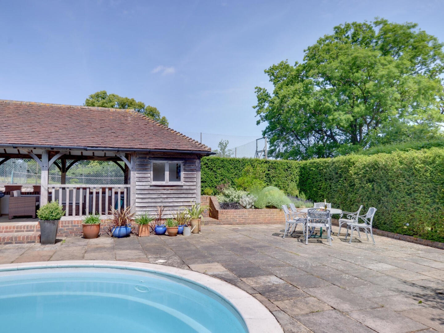 Vintage Holiday Home in Leigh with Swimming Pool Slide-14