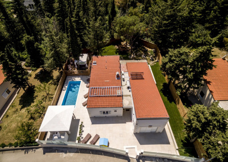 Fabulous villa with pool situated in the centre of Split