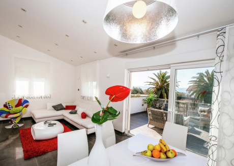 Luxurious Apartment in Zadar with Garden