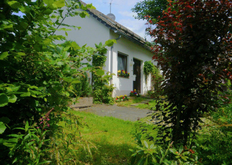 Cosy Holiday Home in Hildfeld with Terrace